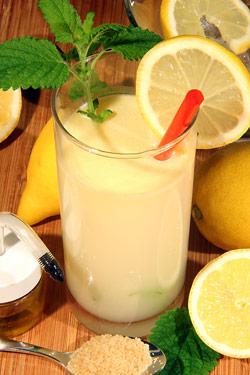 Limonáda citronáda
